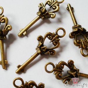 Key / antique bronze colored