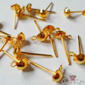 Ear stud with a hole / 4 pieces / gold-colored