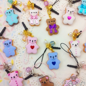 Bear shaped cookie / different variations / charms & dust plugs
