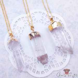 Natural crystal / pencil shape / gold colored / necklace