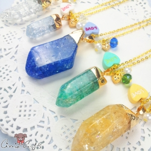 Crystal with a sugar heart / different variations / gold colored / necklace