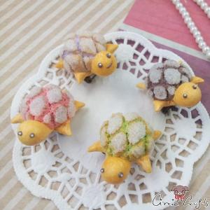 Melon pan turtle / antique bronze colored / pin