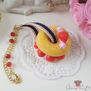 Donut with strawberries and whipped cream / squishy / gold colored / bag charm