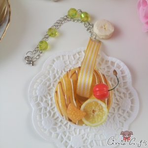 Donut with fruits and chocolate / squishy / silver-colored / bag charm