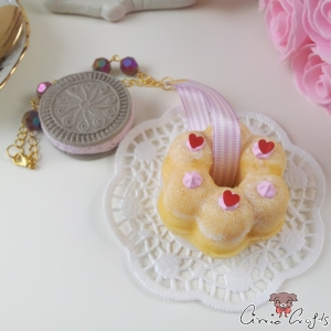 Cake & cookie / squishy / gold colored / bag charm