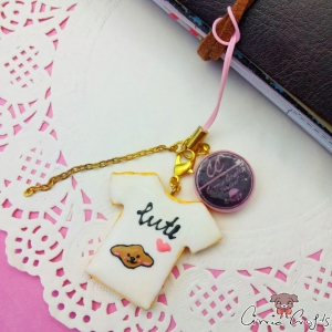 T-shirt shaped cookie / gold colored / charm