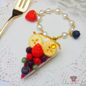 Cake with fruits / gold colored / bag charm