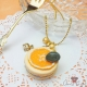 Macaron with a orange slice / gold colored / necklace