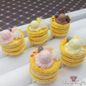 Pfannkuchen mit Eiscreme / Silberfarbend / Verschiedene Farben