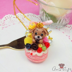Decorated macaron with Schoki / gold colored / necklace