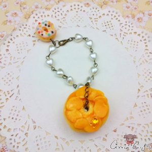 Donut with almonds / antique bronze colored / bag charm