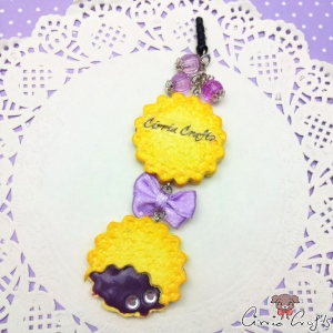 Cookies with purple filling / silver colored / dust plugs