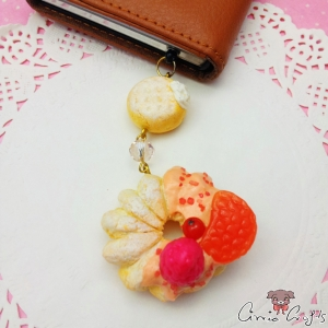 Cruller donut with fruits / gold-colored / dust plug