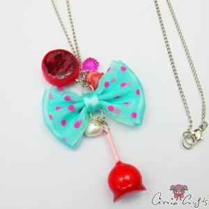 Liebesapfel mit türkiser Schleife / Silberfarbend / Halskette