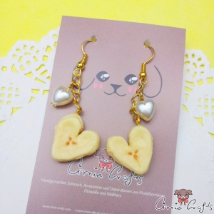 Heart shaped bananas / gold colored / earring hooks
