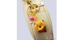Bear shaped donut / gold colored / keychain