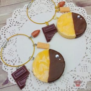 Mandelkeks mit Karamell / Verschiedene Farben / Taschenanhänger