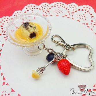 Dampfnudel mit Vanillesauce und Mohn / Silberfarbend / Schlüsselanhänger