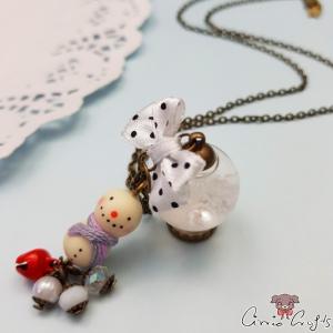 Schneekugel und Schneemann / Antik Bronzefarbend / Weihnachten / Halskette