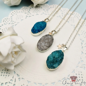 Agate with silver-colored edge / oval / different colors / necklace