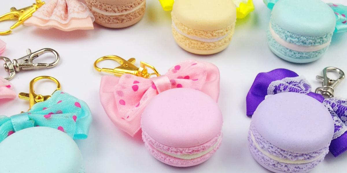 Cirria Crafts / Realistische Macarons / Anhänger