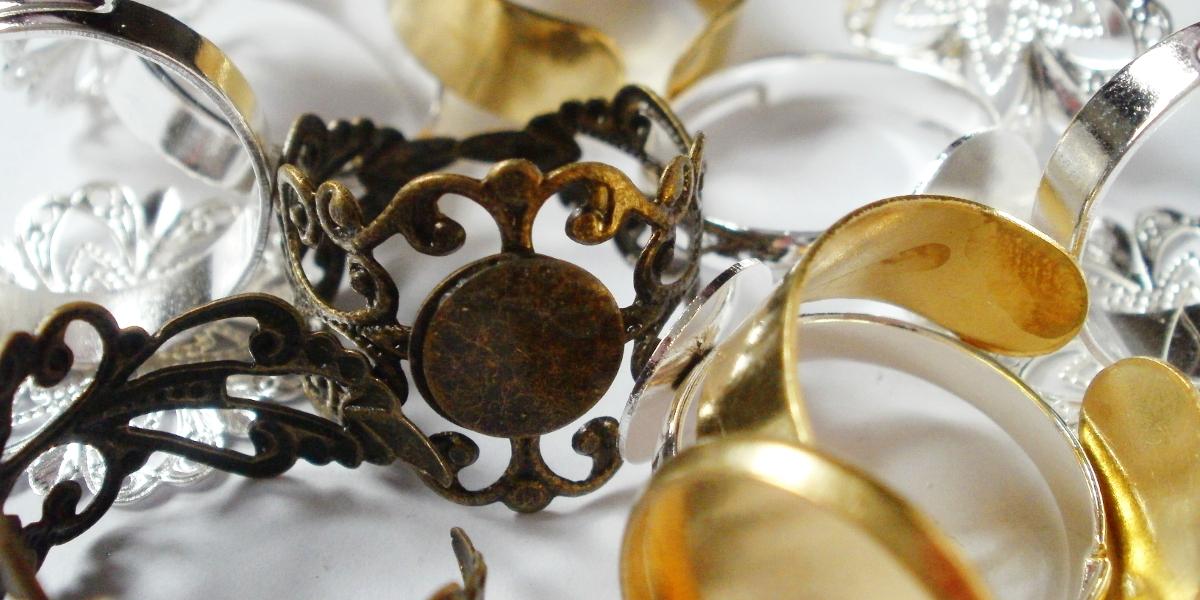 Cirria Crafts / DIY Schmuckzubehör & Rohlinge